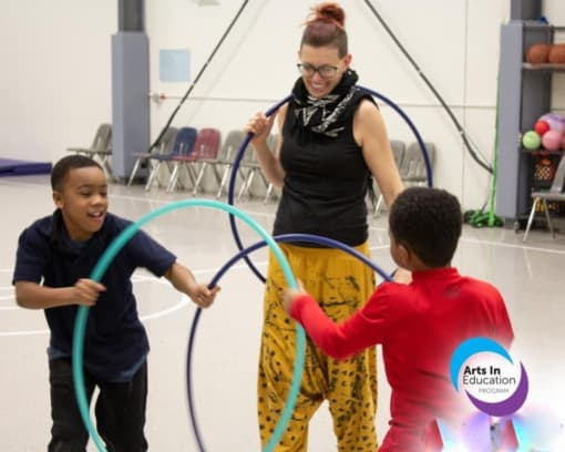Instructing kids with hoops